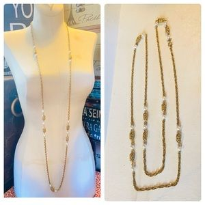"""Vintage Sarah Coventry 54"""" Long Pearl Gold Chain"""